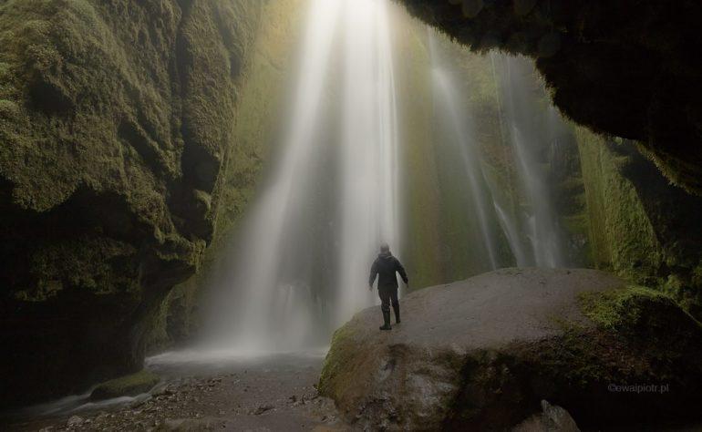 Pod wodospadem Gljufrabui, Islandia, warsztaty fotograficzne