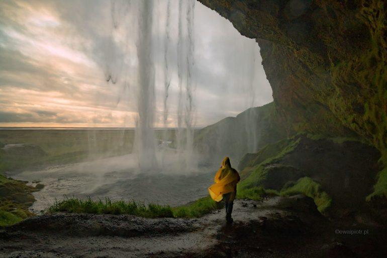 Pod wodospadem Seljalandsfoss, Islandia warsztaty fotograficzne