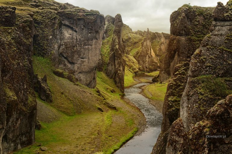 Kanion Fjaðrárgljúfur, Islandia, wyprawa foto