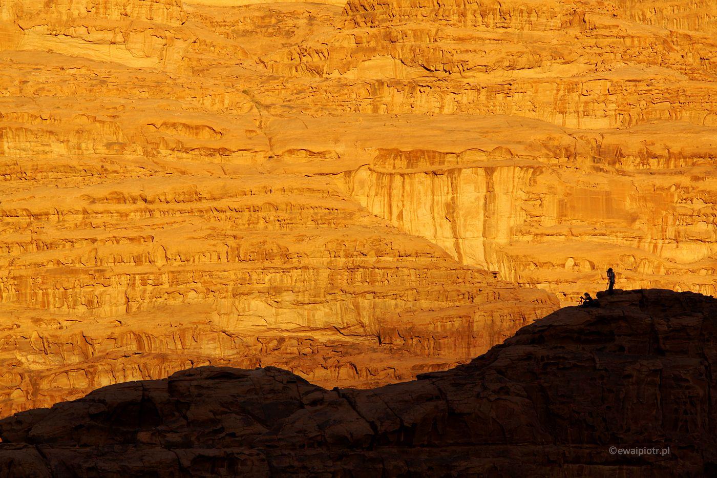 Skały na pustyni Wadi Rum, fotowyprawa do Jordanii, zapisy