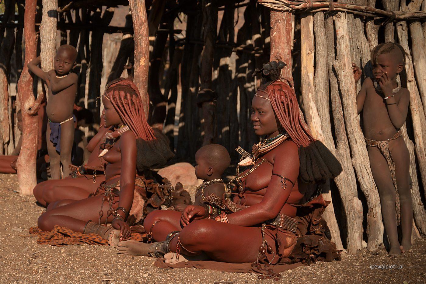 Kobiety z plemienia Himba, Namibia