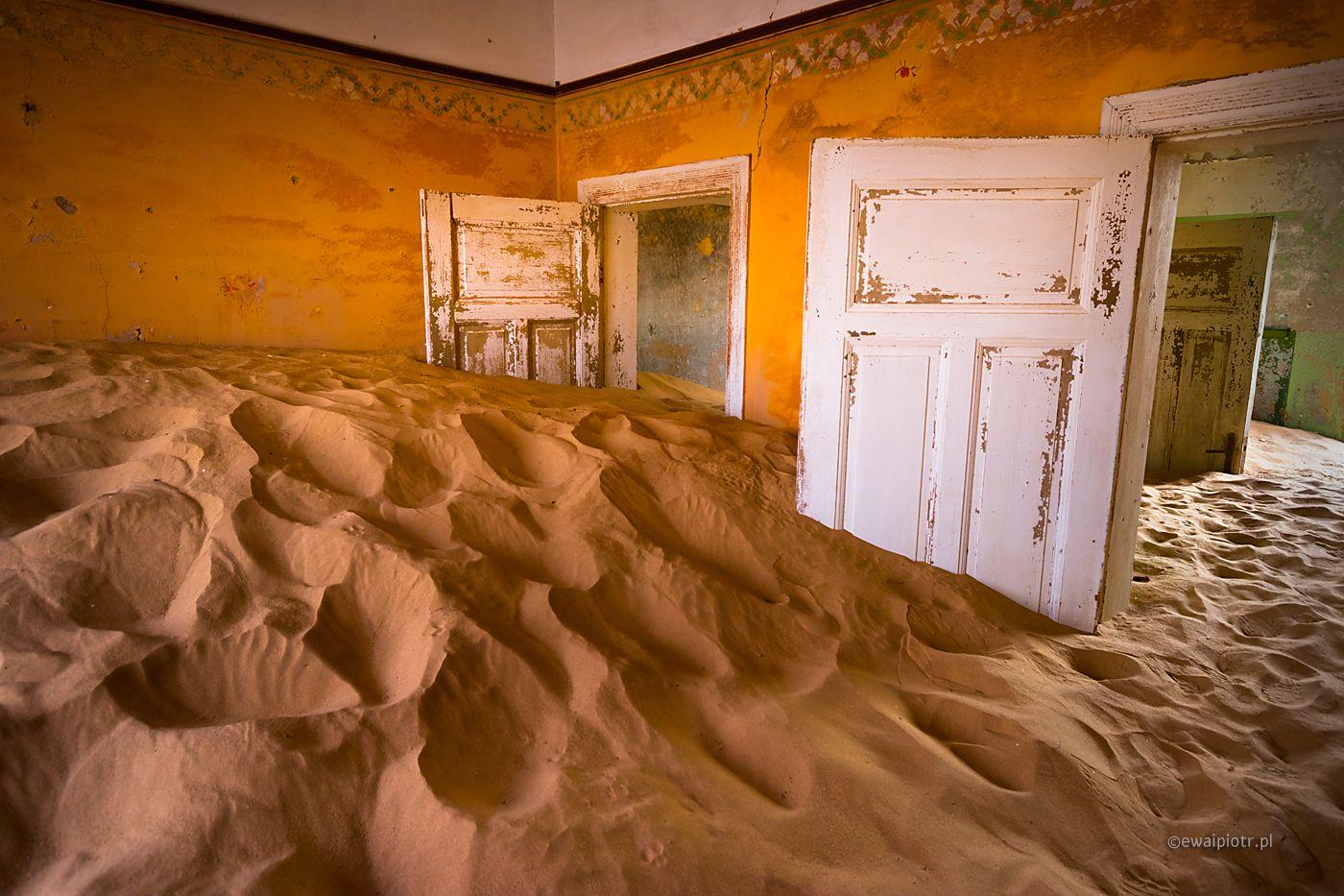 Kolmanskop - górnicze miasteczko duchów, Namibia