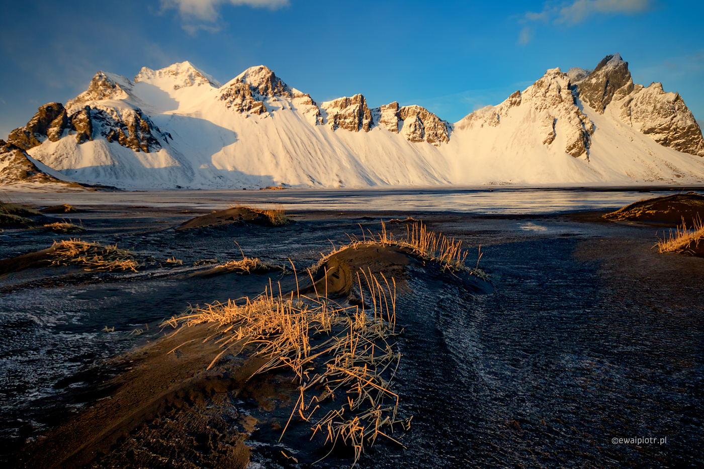 Zachód na półwyspie Stokksnes, Islandia, zima, wyprawa fotograficzna