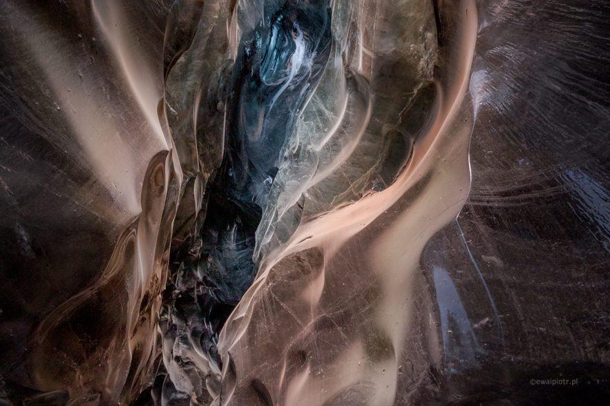 W lodowej jaskinii, Islandia, fotowyprawa