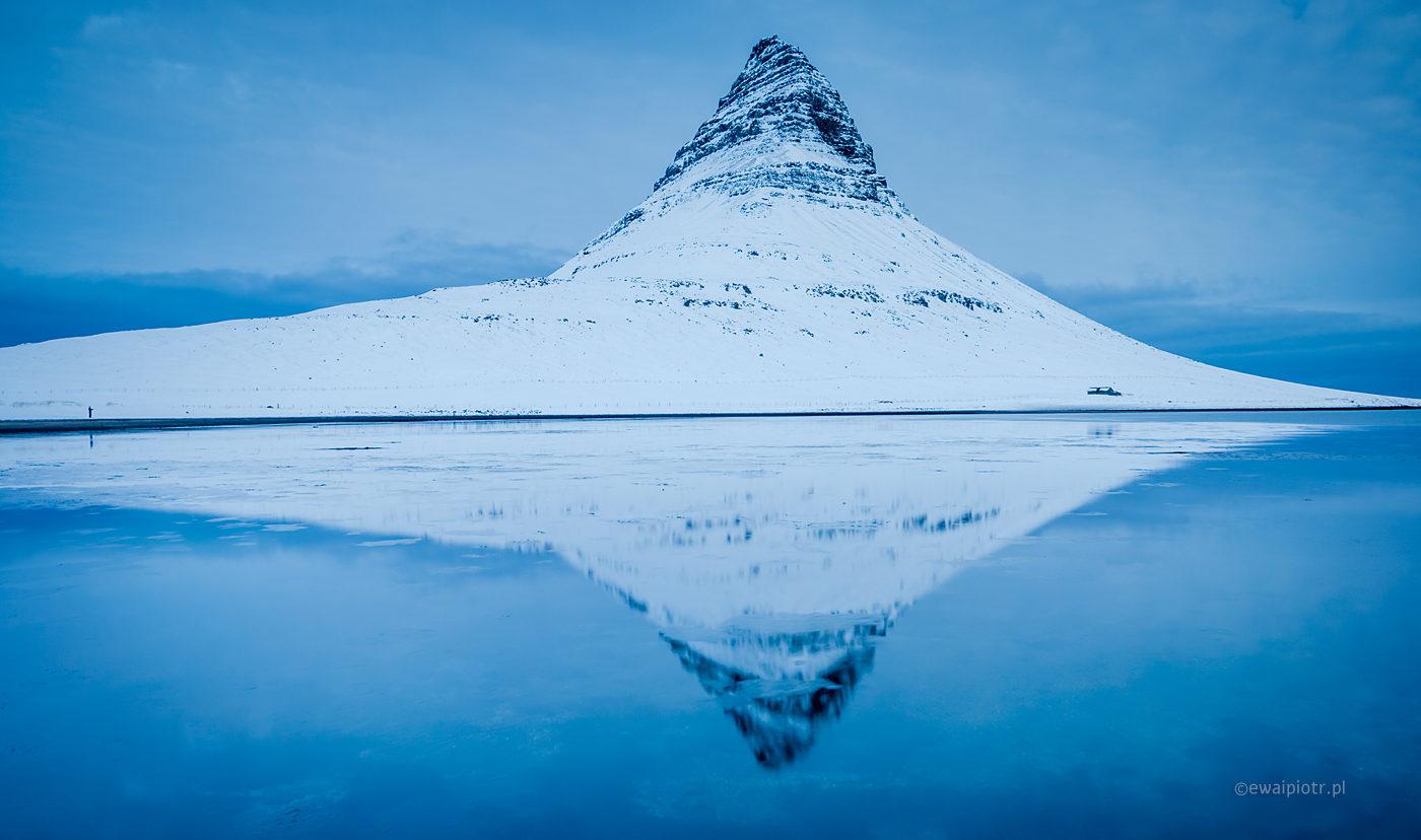 Kirkjufell zimą, Islandia, odbicie, warsztaty fotograficzne