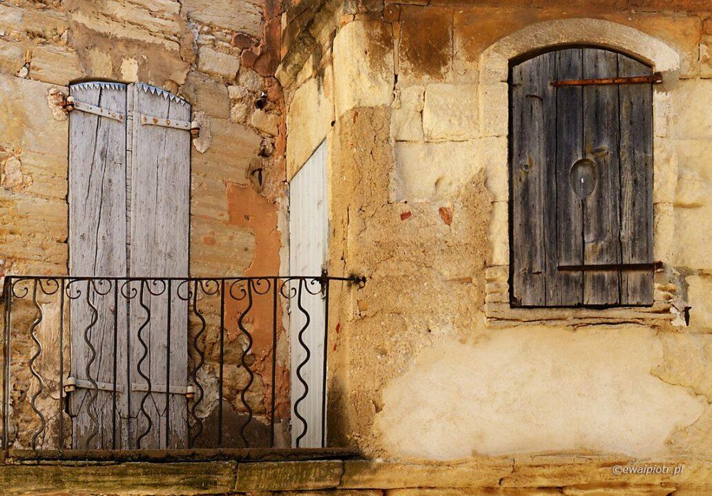 Balkonik w Gordes, Prowansja, warsztaty fotograficzne