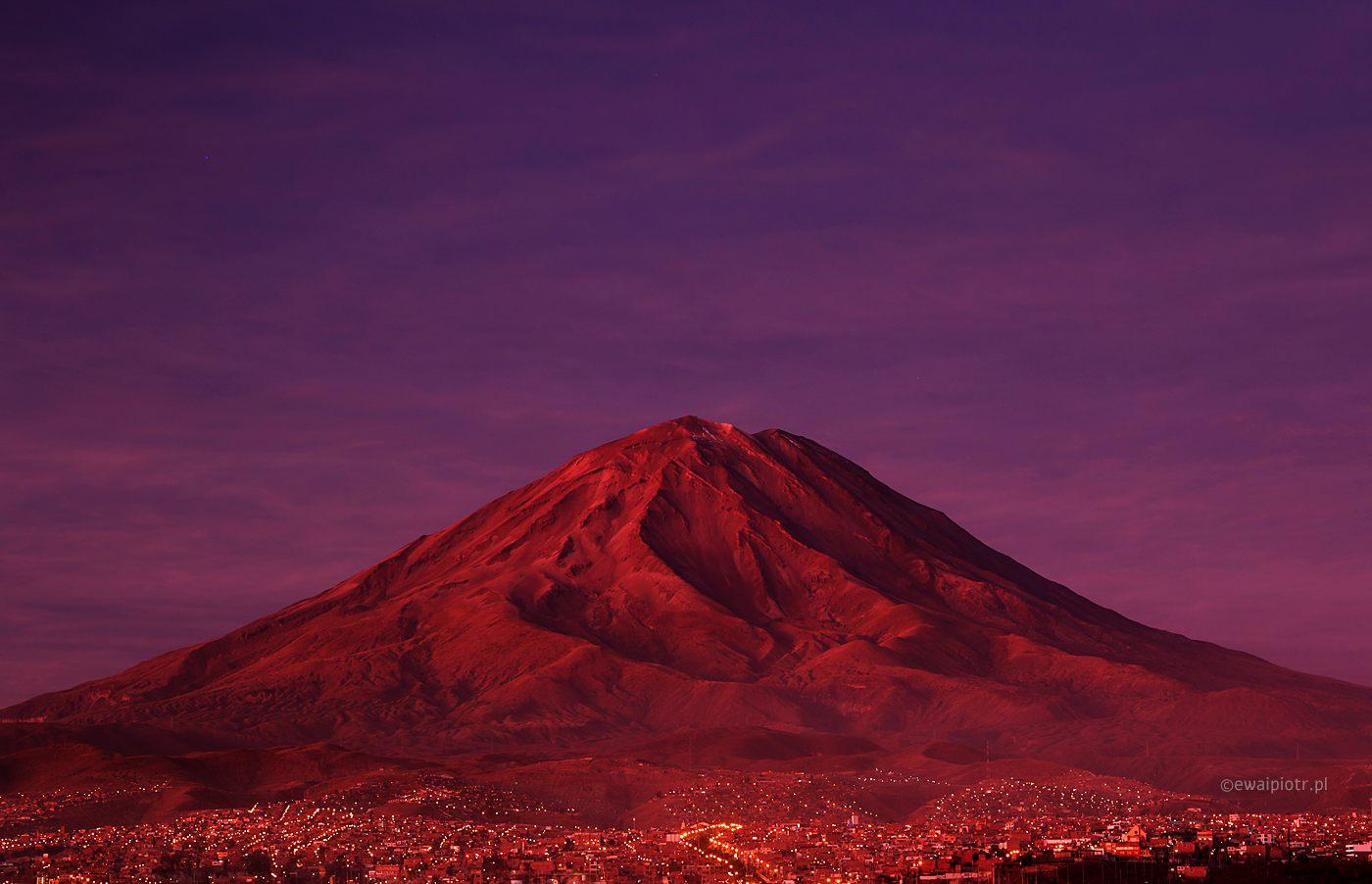 Kolorowa i kontrastowa góra