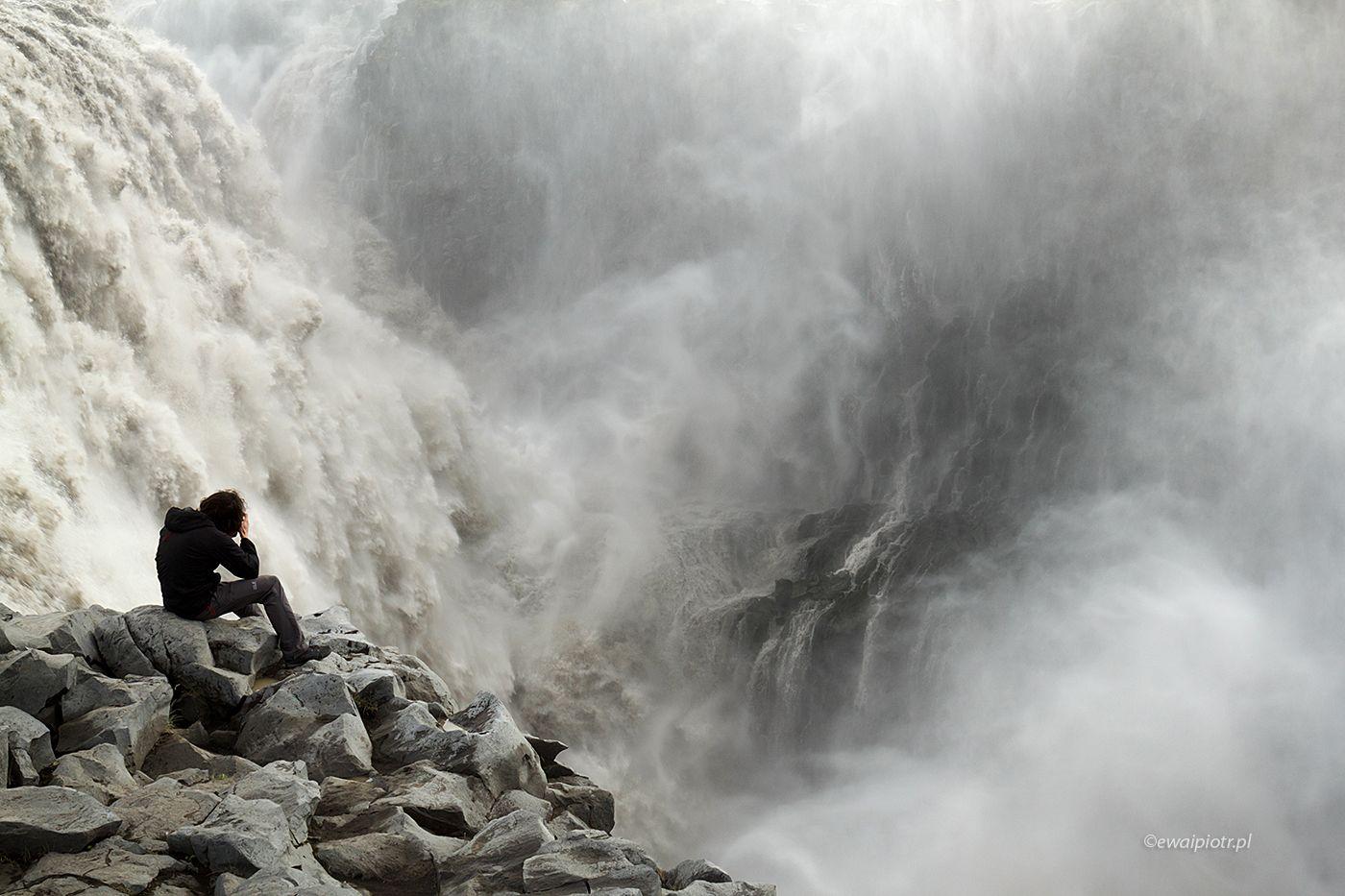 Siedząc nad wodospadem Dettifoss, Islandia, warsztaty foto