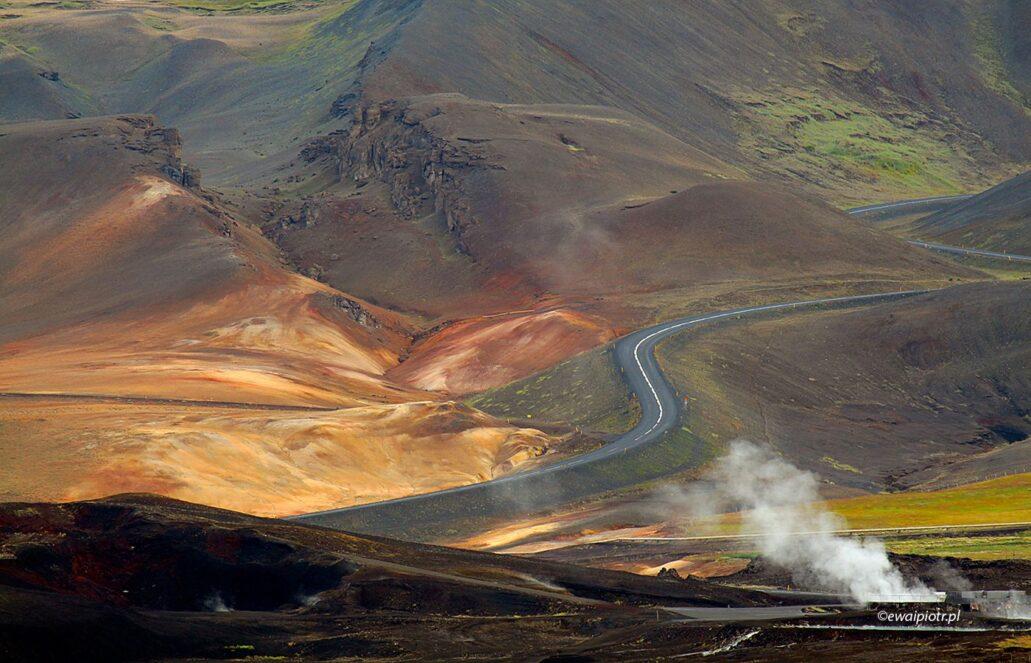 Droga wśród wzgórz Hverir, Islandia, warsztaty fotograficzne