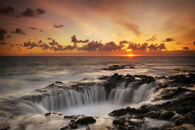 Tu Atlantyk ścieka do studni, Wyspy Kanaryjskie
