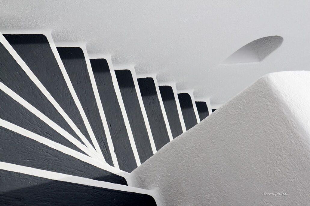 Schody Santorini, czarno-białe, warsztaty fotograficzne
