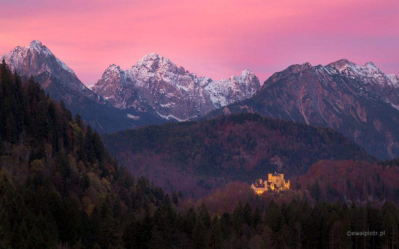 wschód słońca w Alpach, zamek w Bawarii, podstawowe zasady kompozycji