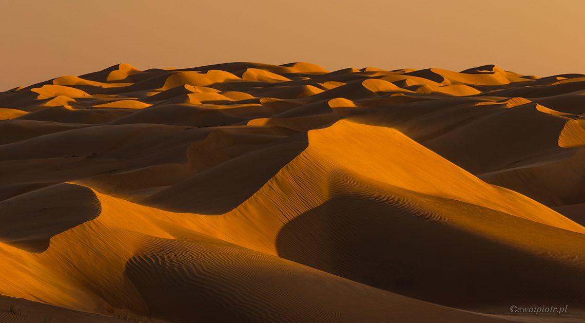 Fotografowanie na pustyni - wydmy o zachodzie