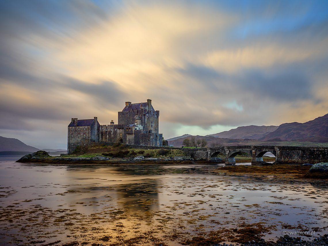 Zamek Eilean Donan, długa ekspozycja, smartfon nie da rady