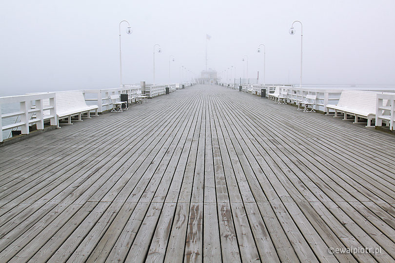 Jak zrozumieć histogram: mgła na molo