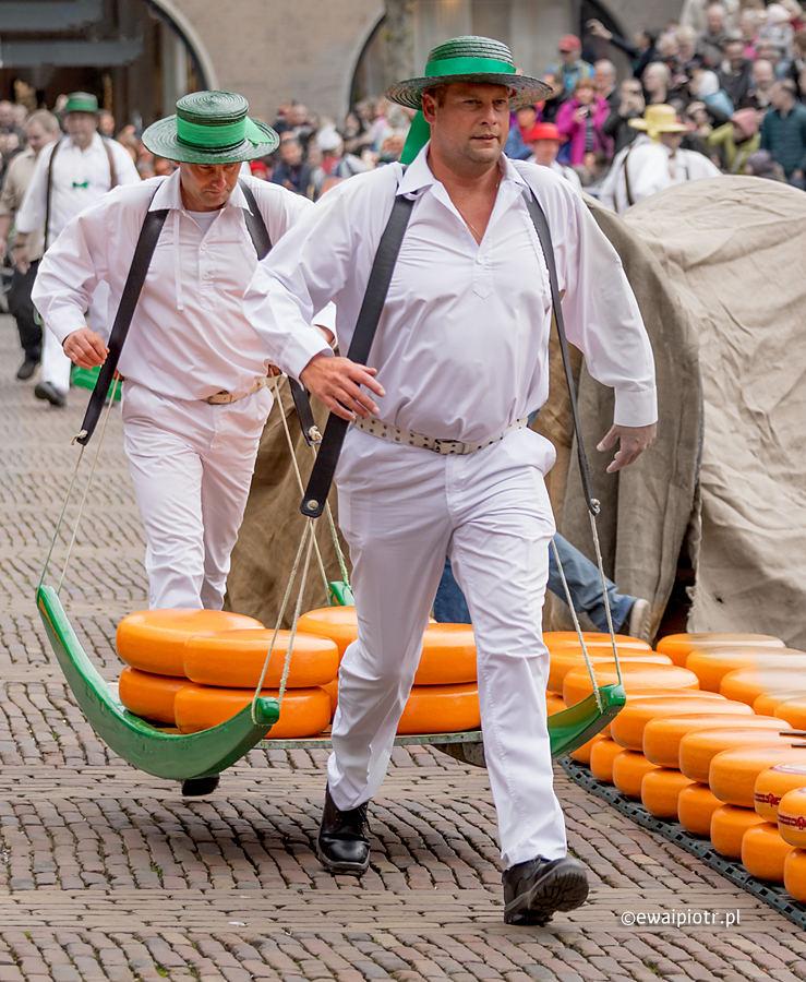 Na targu sera w Alkmaar, jak działa priorytet czasu