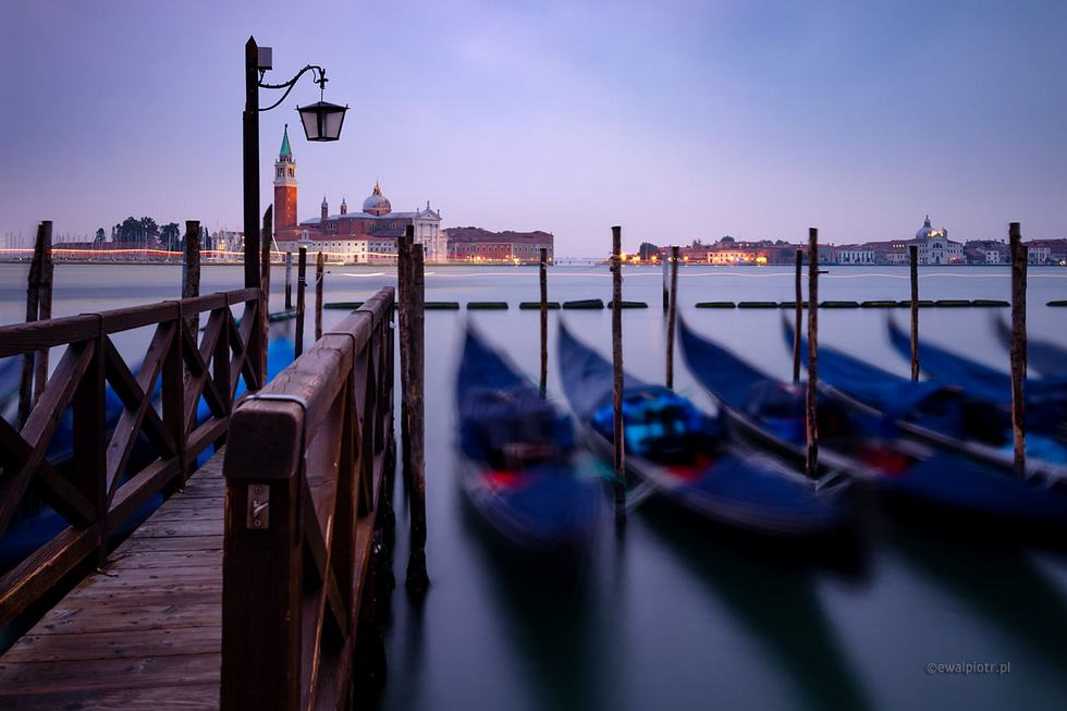 Karnawał w Wenecji, gondole o zmierzchu, fotowyprawa, warsztaty fotograficzne
