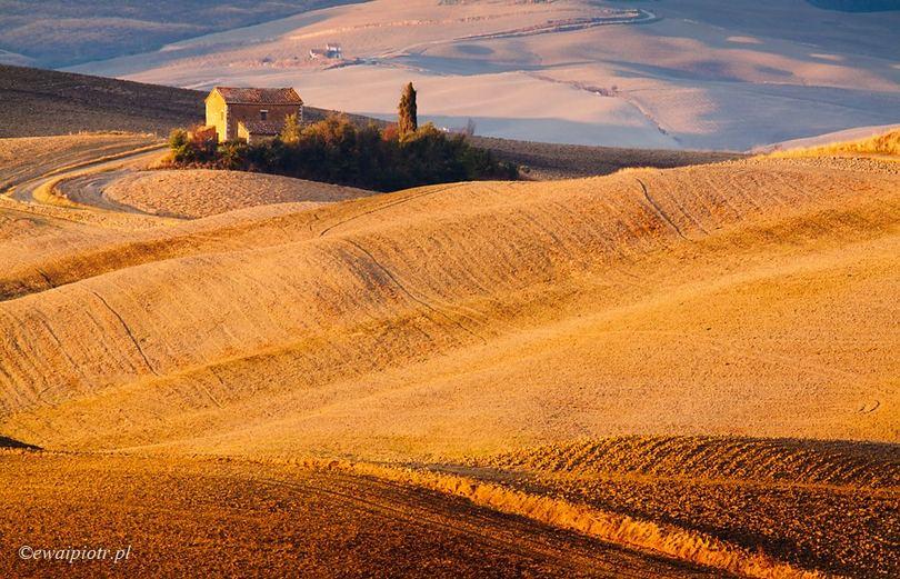 Willa w Toskanii, teleobiektyw do krajobrazu, poradnik fotografii podróżniczej