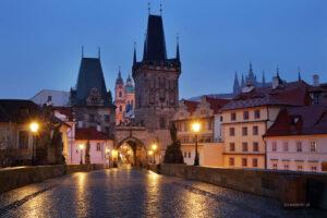 Labirynty Pragi warsztaty fotograficzne, Most Karola nocą