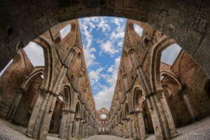 bezpieczna archiwizacja zdjęć i zasada 3-2-1, San Galgano, Toskania, Włochy