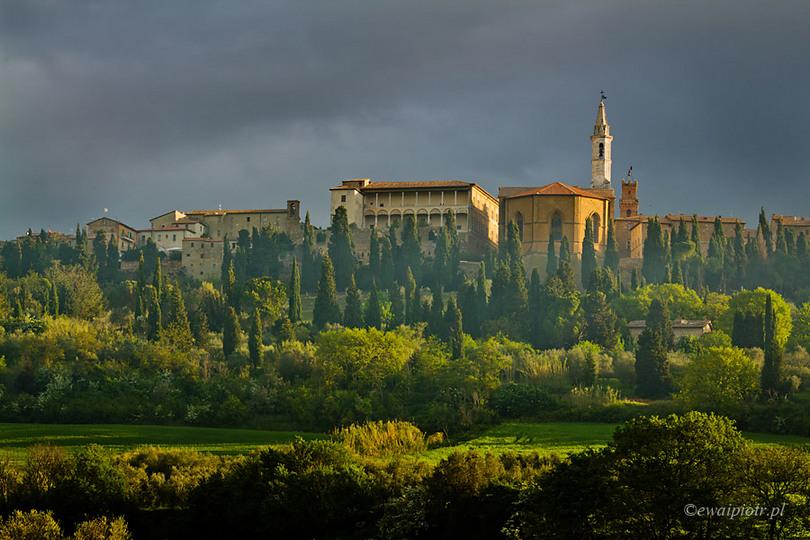 Niebo ciemniejsze niż ziemia: burza w Toskanii