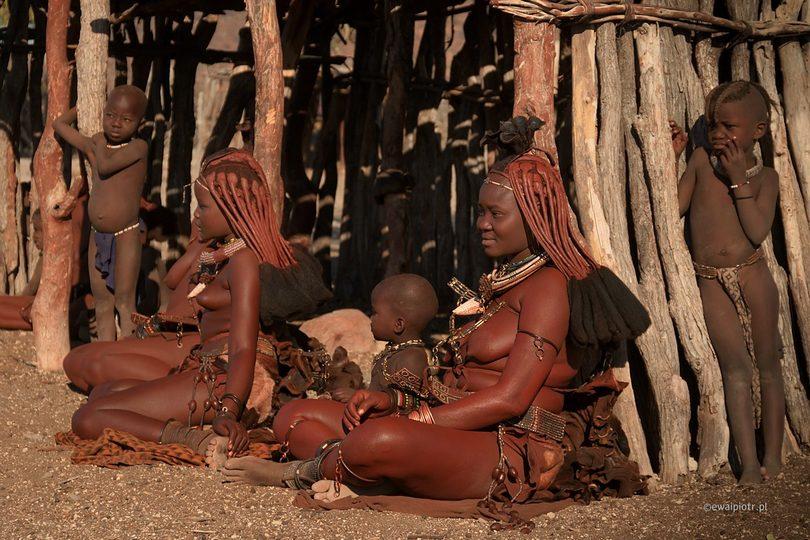 W wiosce Himba, Namibia, przewodnik dla fotografów
